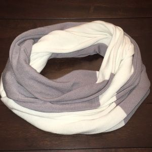 Accessories - White & grey infinity scarf. Tag removed